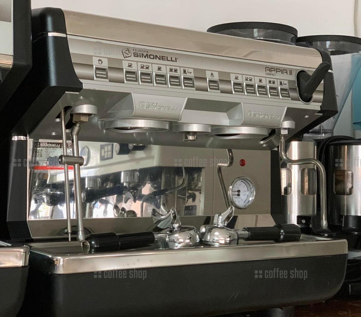 16461 | Кофемашина профессиональная Nuova Simonelli Appia Compact II V 2GR б/у | Coffee Shop