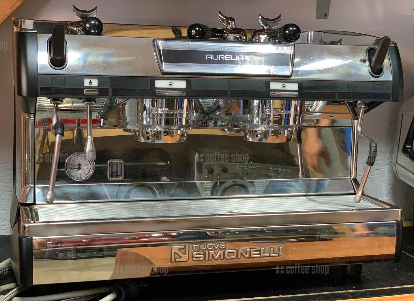 16462   Кофемашина пррофессиональная Nuova Simonelli Aurelia Auto II S 2GR б/у   Coffee Shop