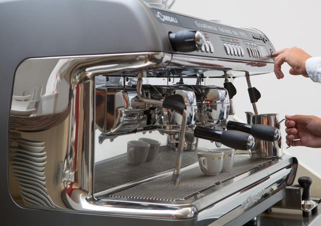 1705 | Кофемашина профессиональная La Cimbali M39 TE Dosatron Turbosteam Milk4 DT/2 | Coffee Shop