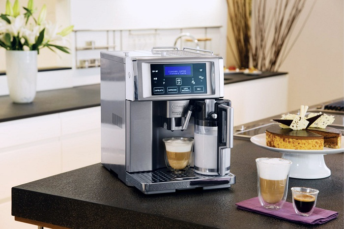 D0132217020 | Автоматическая кофемашина DeLonghi PrimaDonna Avant ESAM 6704 | Coffee Shop