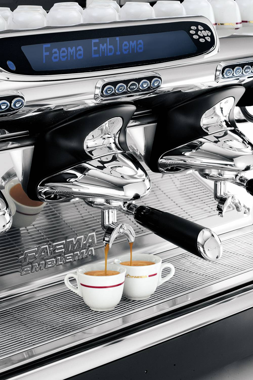 1748 | Кофемашина профессиональная Faema Emblema Auto Steam A/3 | Coffee Shop