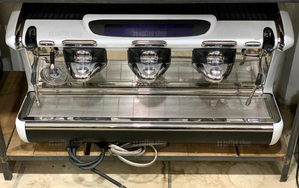 16136 | Кофемашина профессиональная Faema Emblema S/3 б/у | Coffee Shop